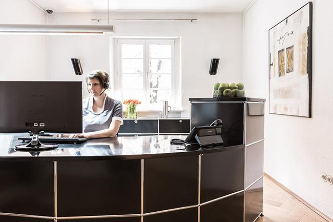 zahnklinik in m nchen schwabing zentrum f r zahnmedizin. Black Bedroom Furniture Sets. Home Design Ideas